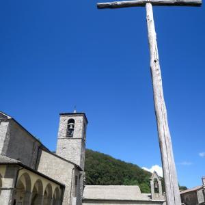 黄花藤・蘭咲く森を修道院へ、トスカーナ ラヴェルナ