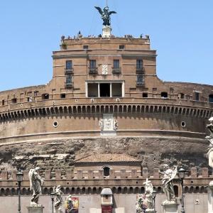 6世紀ペスト鎮めた聖ミカエル ローマ サンタンジェロ城、World Voice連載 第4回