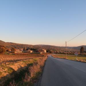 秋色と夕日彩る野の散歩、ペルージャ