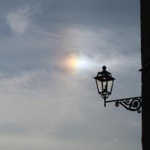 虹色の幻日とハロをオルヴィエートで