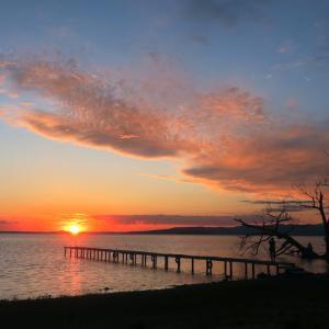 夕焼けも宵も美しトラジメーノ湖