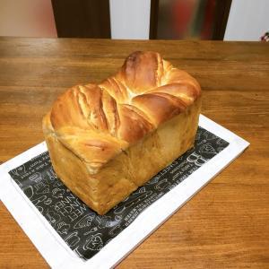 メープル食パンと訳あり食パン