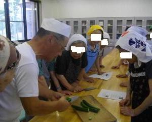 昔取った杵柄を生かして和菓子講習会です。