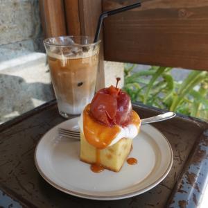 激かわいい 姫りんごのベイクドケーキ MONZ CAFE モンズカフェ