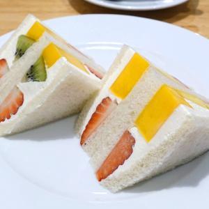 フルーツサンド ホットケーキ パフェのコース 赤坂 ホットケーキパーラーフルフル