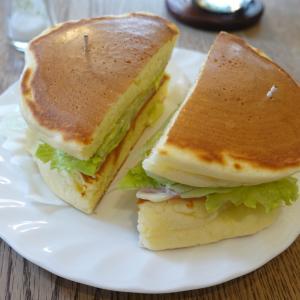 錦糸町 喫茶店のホットケーキのサンドイッチ トミィ