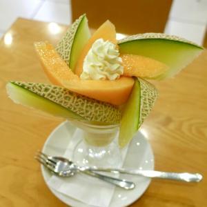 浅草 フルーツパーラーゴトーのメロンのパフェ