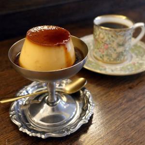 浅草 cafe from afarの足つきデザート皿プリン