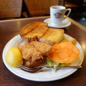 浅草 ブラジルのフライチキンとキノコ型トーストランチ