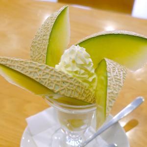 浅草 フルーツパーラーゴトー マスクメロンのパフェ