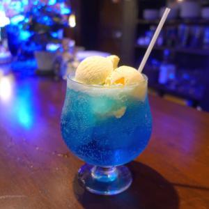 青い純喫茶 スカイブルー クリームソーダ 阿佐ヶ谷 gion ギオン
