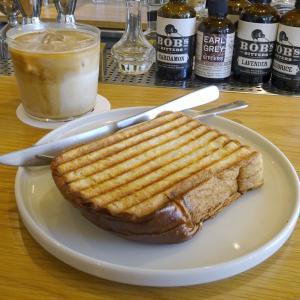 代々木上原 カフェバー NO.の発酵バタープレストースト