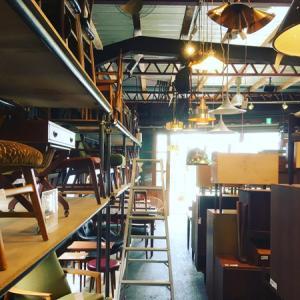 神戸の北欧ヴィンテージ家具と雑貨 「北の椅子と」へ
