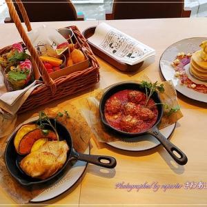 PEANUTS Cafe スヌーピーミュージアム人気人メニューとお土産@南町田グランベリーパーク