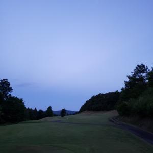 羽後カントリーで早朝ゴルフ