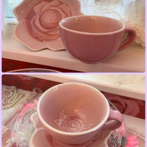 ローズのカップアンドソーサー、プレゼントします☆