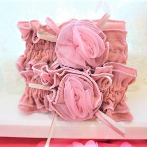 チュールのローズがcute☆作業のお供に 大人可愛いピンク アームバンド☆