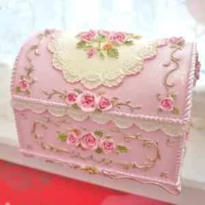 プリンセス気分♪可愛さ溢れるアンティークボックスは宝箱のよう♪アクセサリーボックスに♪