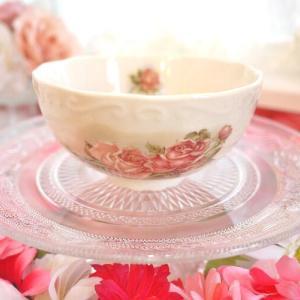 アンティークゴールドの輝き ローズが咲き誇る茶碗(ゴールドローズ)☆