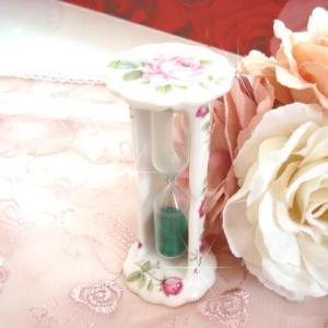 お茶やランチのお供に♪砂時計(3分計)優雅なムラサキのローズ柄(ラレーヌデローズ)☆