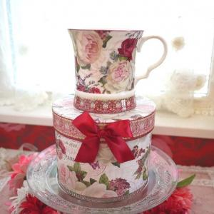 自分用にもプレゼントにも嬉しい!同柄BOX付!深紅のローズが美しいマグカップ☆