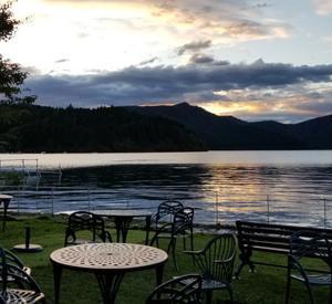 湖畔のホテルで♪♪