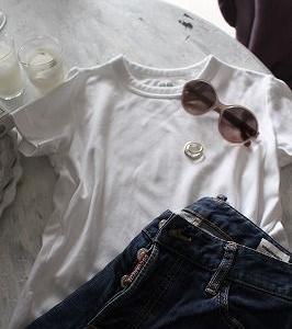 ユニクロのTシャツ&バックの中は。。。。。