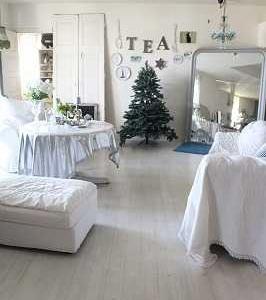 クリスマスツリーの準備♪