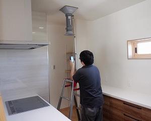 新築住宅の気密と換気の性能測定