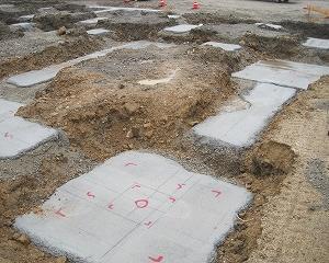 店舗新築工事の基礎梁施工中