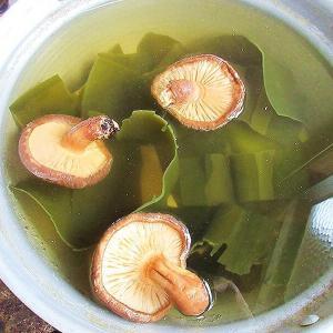 そば汁作り(辛汁)