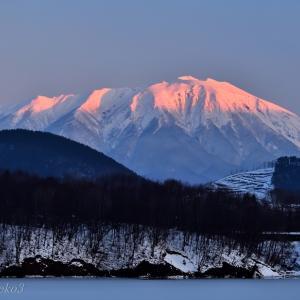 みちのく朝焼けの岩手山