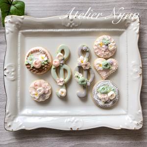 アイシングクッキーサンプル。お花絞りチーム。