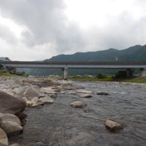 暑い日は長良川郡上で鮎釣り(^.^)
