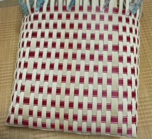 縦編みのかごバッグ