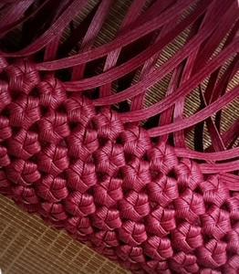 側面を編み編み中