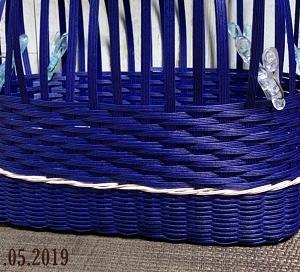 紺色のかご編み編み中