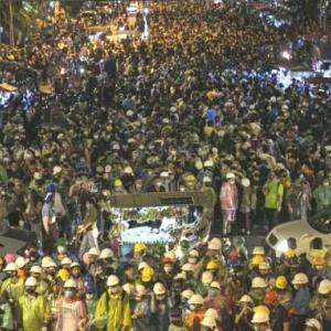 タイ政府、弱腰です。