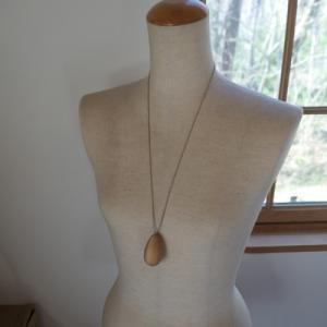 オーダー木製小物 ネックレス、妻の誕生日にプレゼント