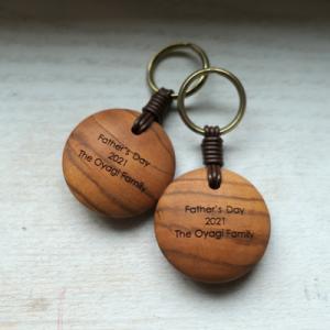 オーダー木製小物 父の日のプレゼント お父さん3人へ木製キーホルダー