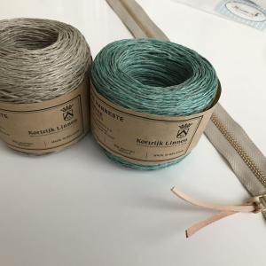 スタジオエフさんのキット「ボッブル編みのポーチ」を編んでいます。