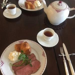 ローストビーフと紅茶