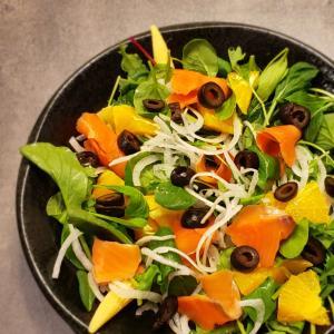 今日の晩ごはん。【スモークサーモンとオレンジのサラダ】