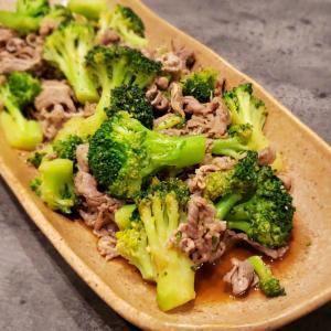 今日の晩ごはん。【牛肉とブロッコリーのオイスターソース炒め】