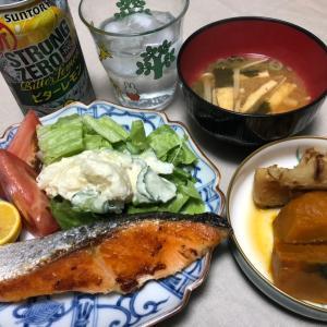 昨夜は塩鮭・ポテサラ・かぼちゃ竹輪煮などでした