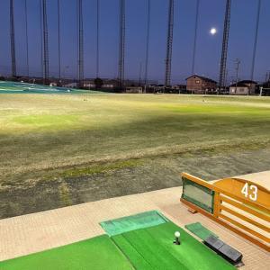 毎週末はゴルフ練習