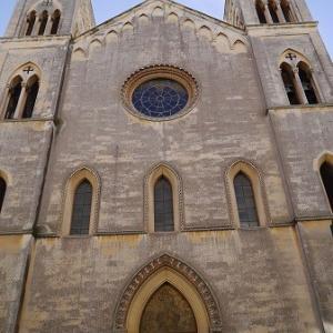 レッチェのネオゴシックの見事な教会、サンタントニオ・ダ・パドヴァ・イン・フルジェンツィオ