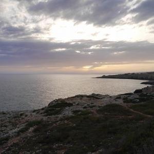 サンタ・マリア・ディ・レウカの海に沈む夕日