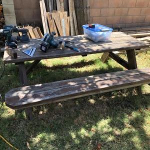 古いテーブルをリメイクしてみた