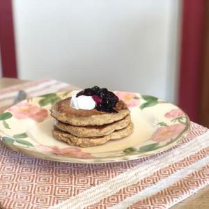 低カロリーで栄養たっぷり オートミールパンケーキ